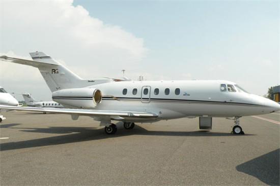 Hawker900XP_1_e