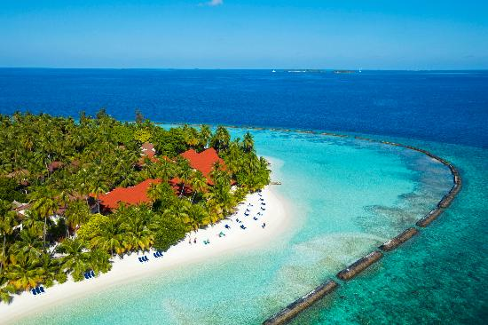 kurumba-maldives-beach